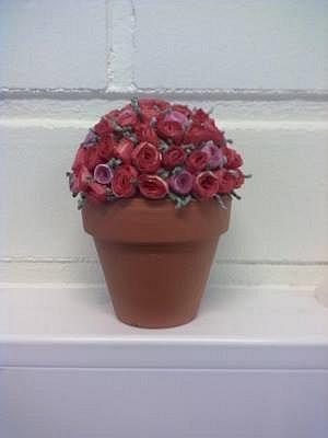 Ruusuja ruukussa